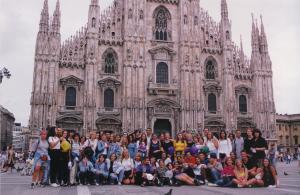 Ispred katedrale u Milanu